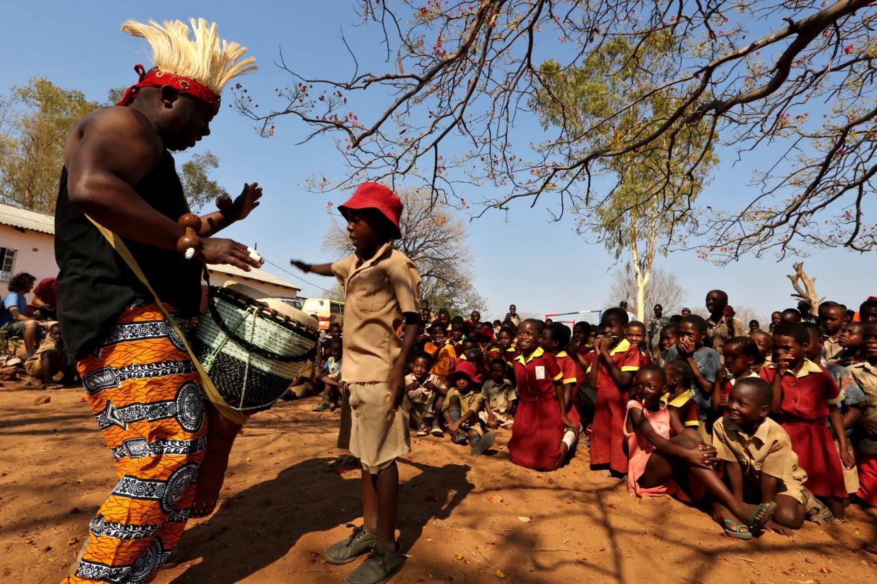Zimbabwé - Mathos et les enfants